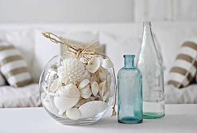 20130524-03-beach-cottage-coastal-style-shells-in-fishbowl-vase-abeachcottage.com_